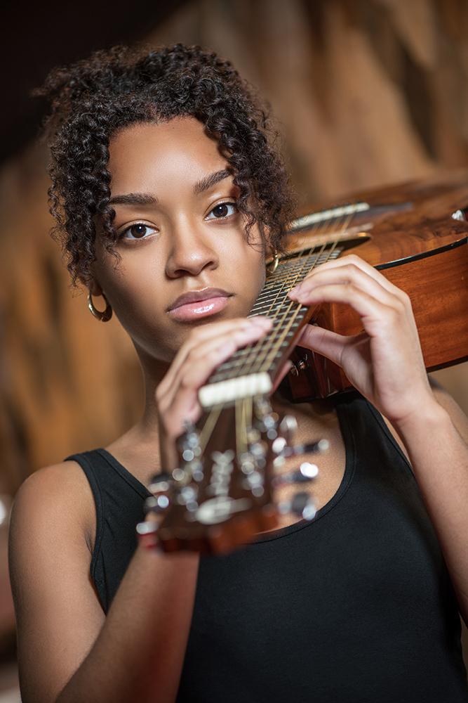 Shawntoni and her guitar